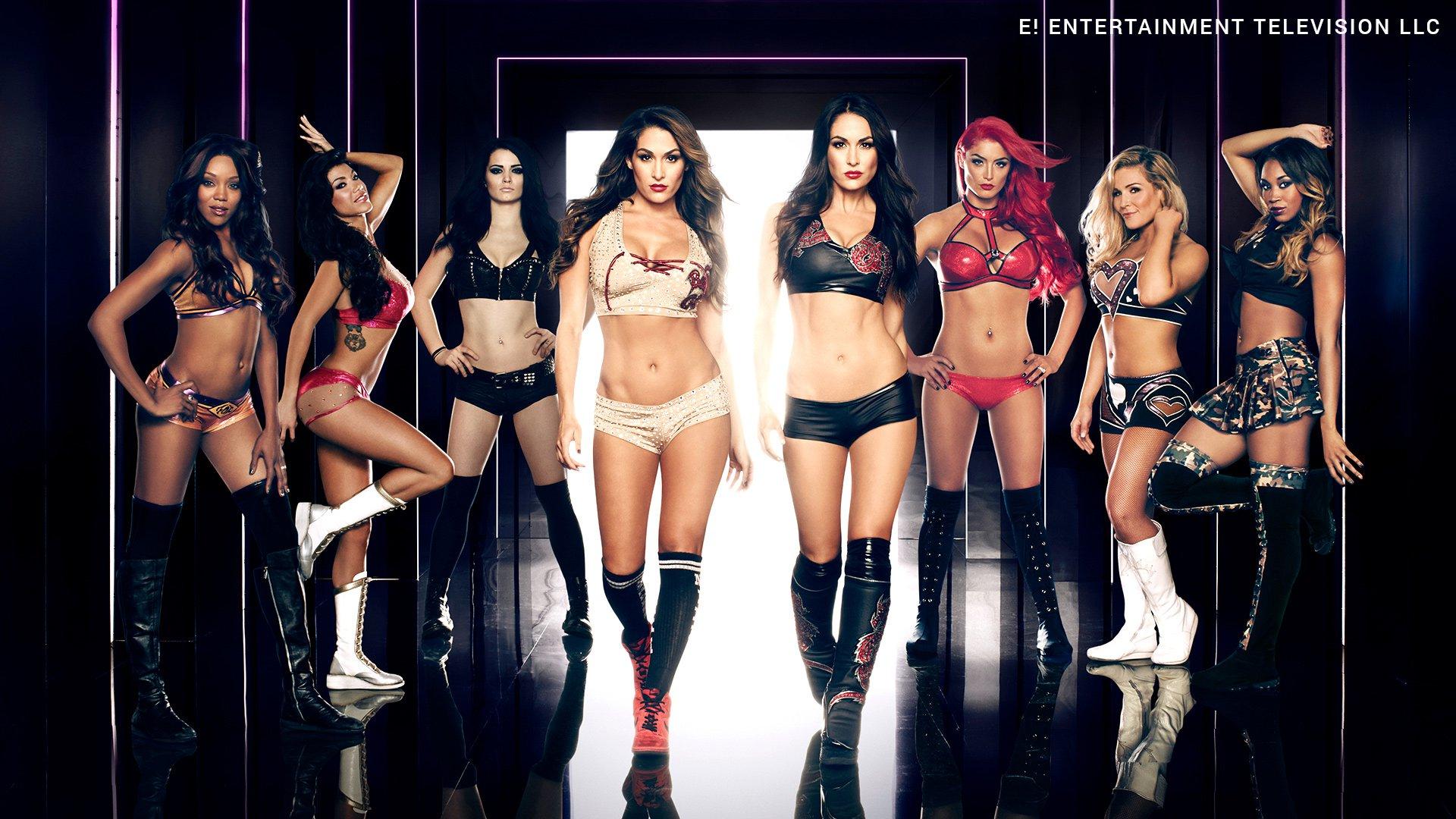 Fêtons les 100 épisodes de Total Divas en photos !