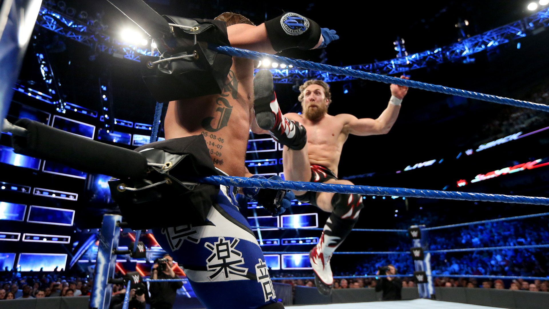 Daniel Bryan vs. AJ Styles: photos