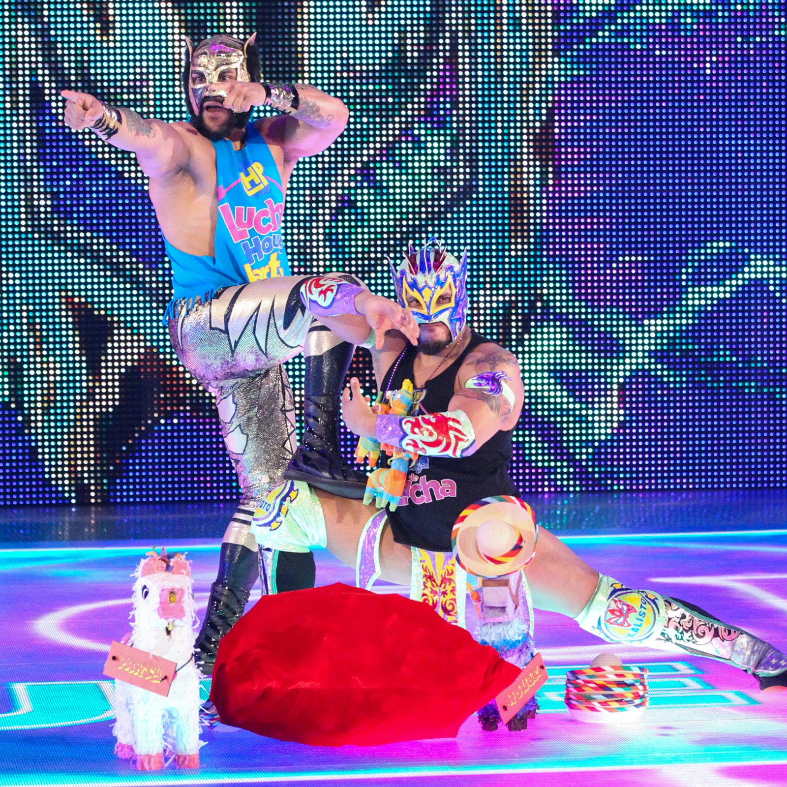 The Lucha House Party vs. Mike Kanellis & TJP