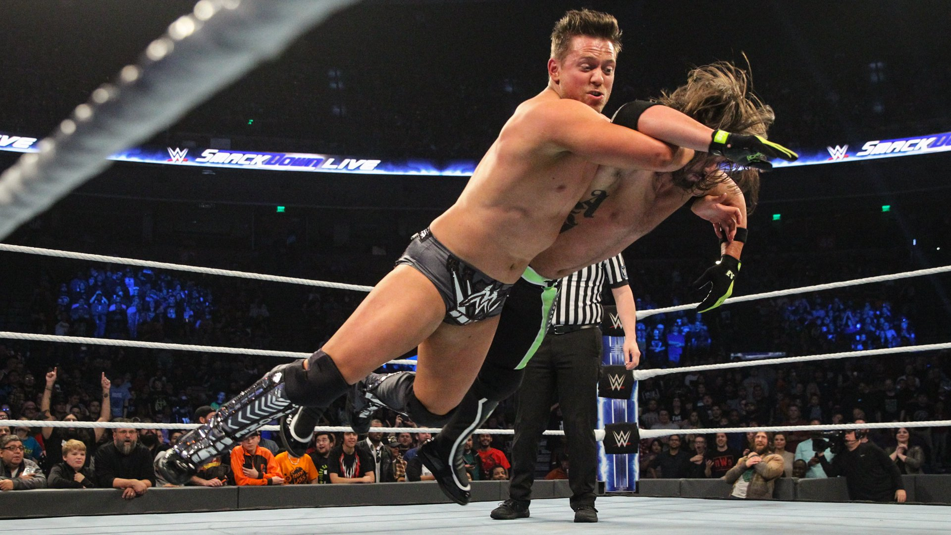 ... and Miz drops The Phenomenal One with the Skull-Crushing Finale!