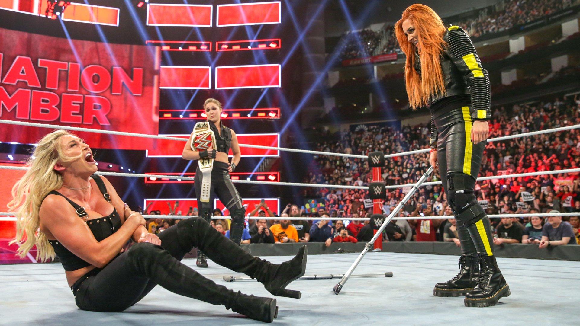 Ronda Rousey vs. Ruby Riott - Match pour le Championnat Femme de Raw: photos