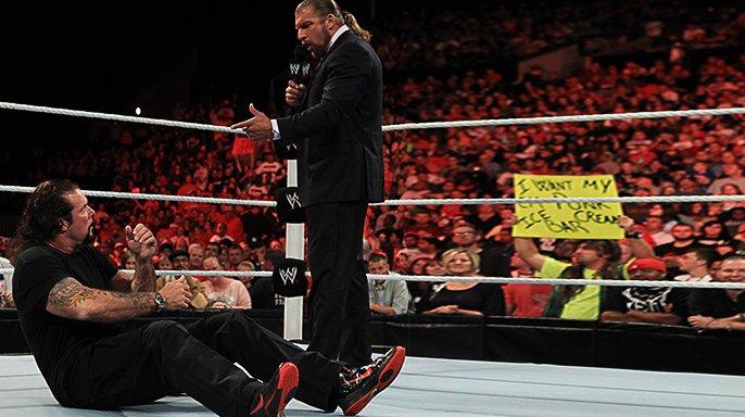 WWE.Raw.06.09.2011.HDTV XviD 20110905_raw_hhhnash2_r.jpg
