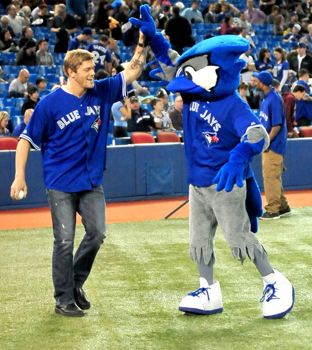 02_Edge_Blue_Jays.jpg