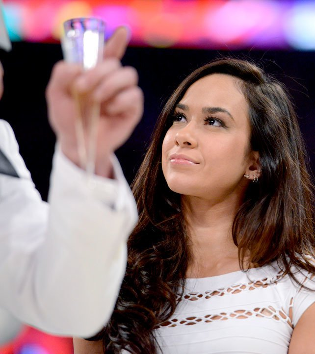 The It Factor Champion (Promo conjunta con AJ Lee) RAW_1023_Photo_168