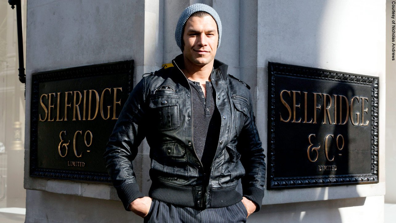 In between his media appearances, Fandango does some sightseeing and shopping.
