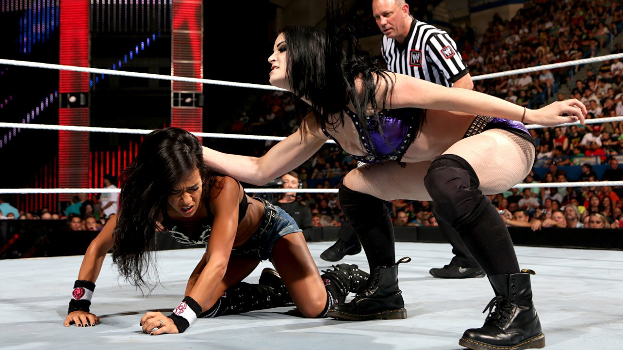 Please where AJ LEE AND PAIGE NAKID not right