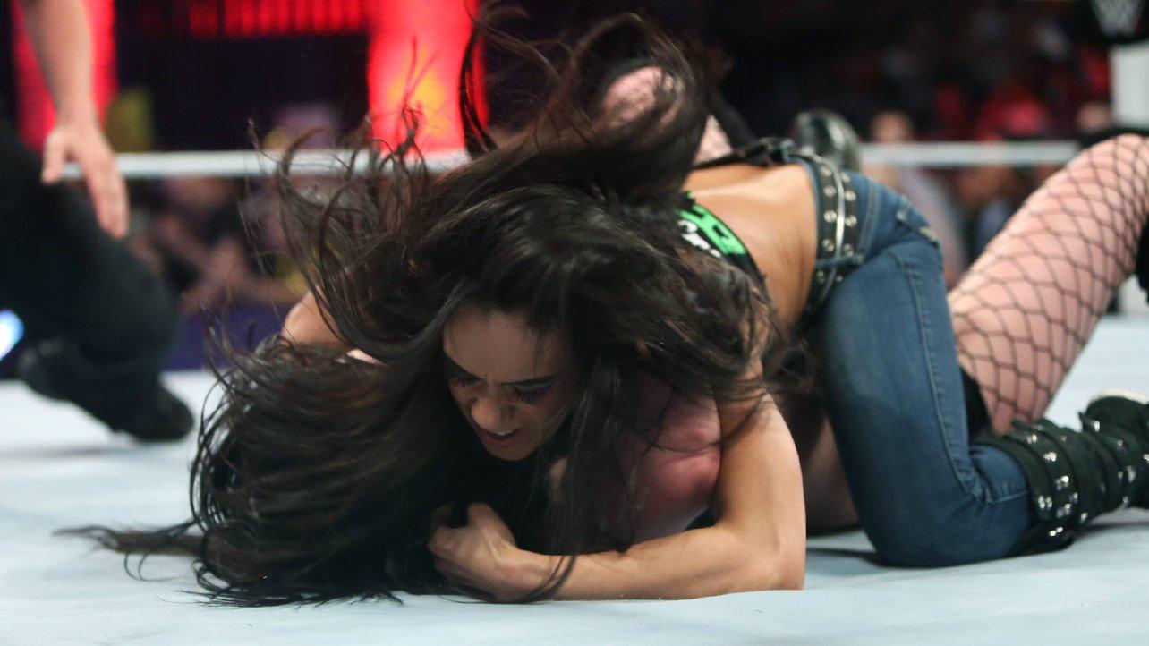 Nikki bella vs aj lee tlc 2014 - 5 6