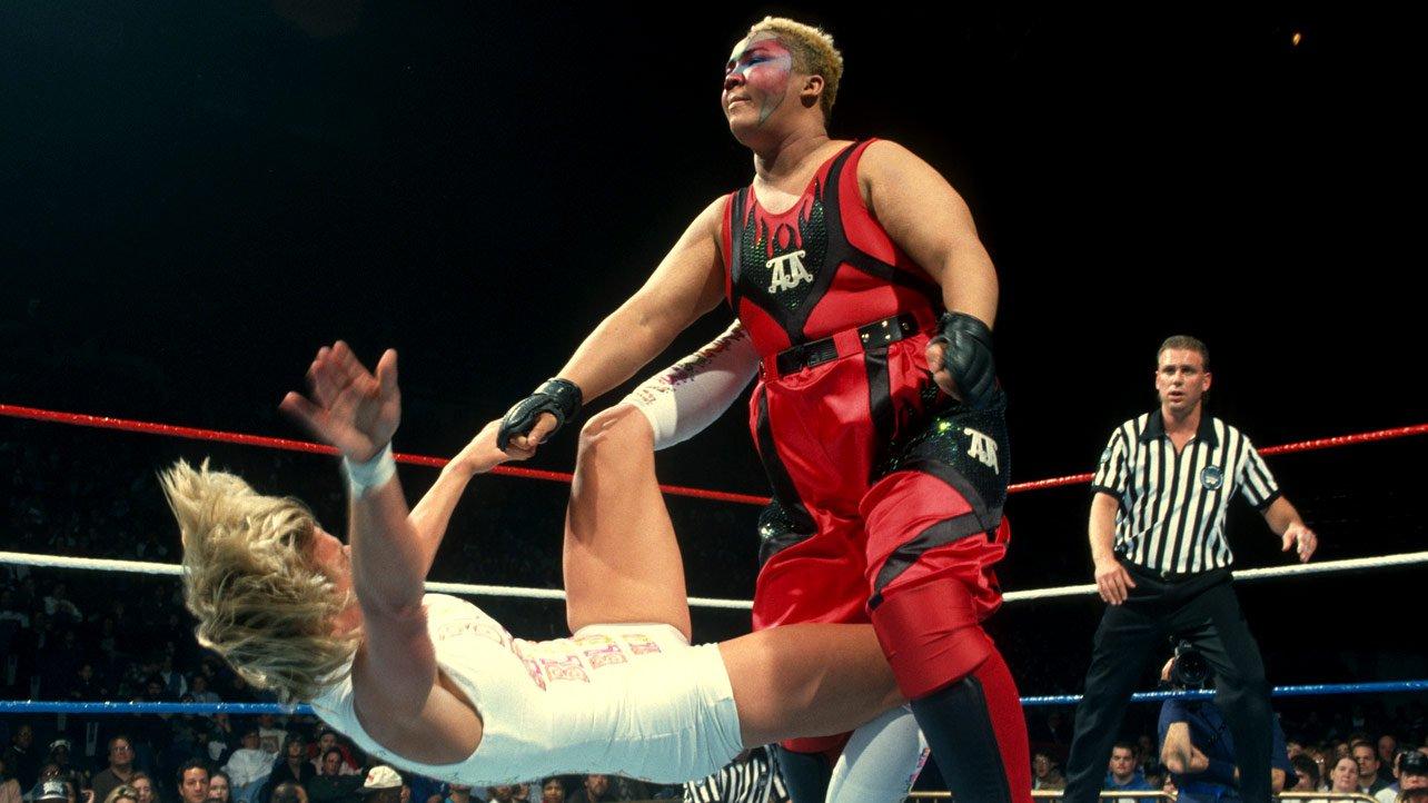WWE Legend makes Top 10 List - Women's Wrestling - Heartbreakers ...