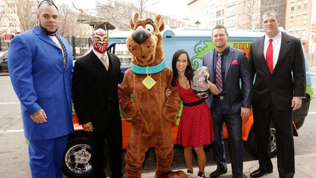20140324_Scooby_Doo_Movie_Premier_LIGHT_
