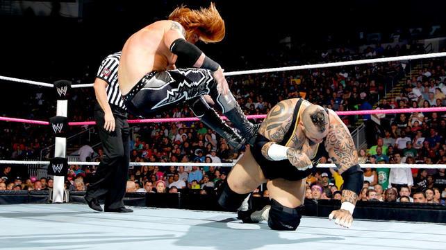 Brodus Clay vs. Heath Slater: photos   WWE.com