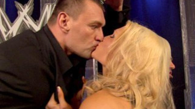 the gallery for gt layla wwe kissing john cena