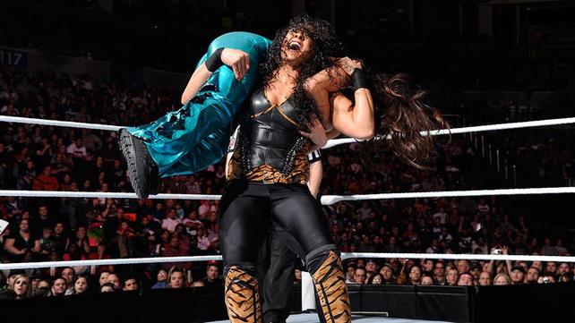 WWE Eve vs Alicia Fox