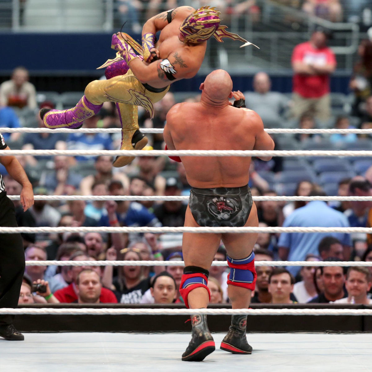 Kalisto and Ryback wrestled in front of numerous empty seats on the Wrestlemania kick-off show