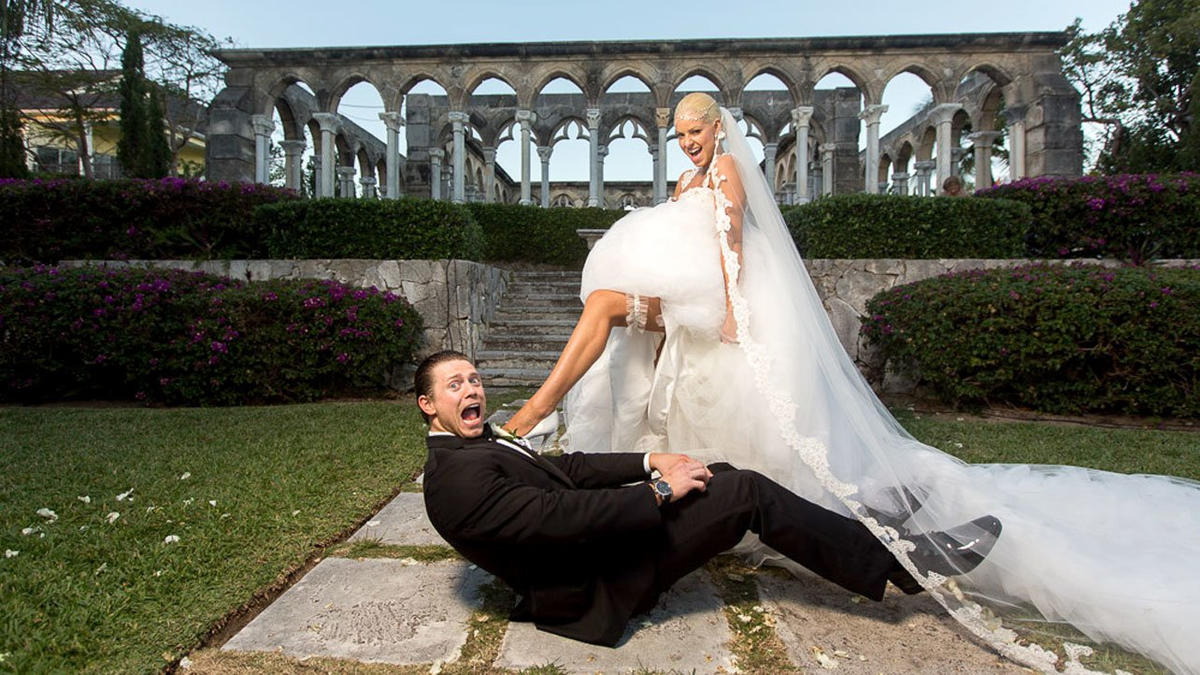 The Miz And Maryse Celebrated After Their Ceremony With A Song Performed Live By Pop Star