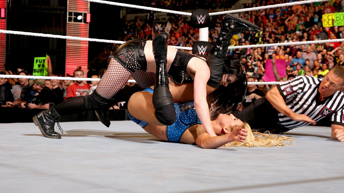 The distraction costs Charlotte the bout.