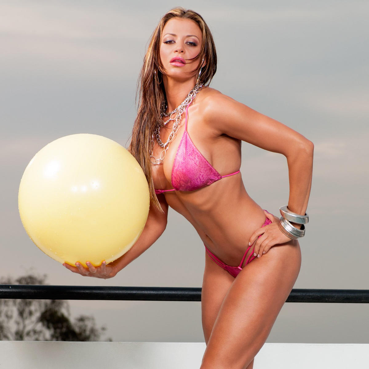 f906f70eb0be Never-before-seen bikini pics | WWE