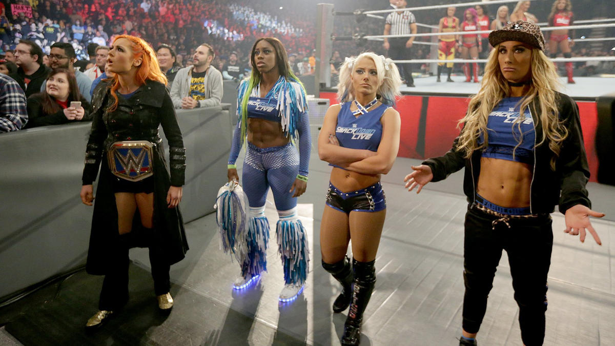 Team Raw vs. Team SmackDown LIVE: : 5-on-5 Traditional Survivor ...