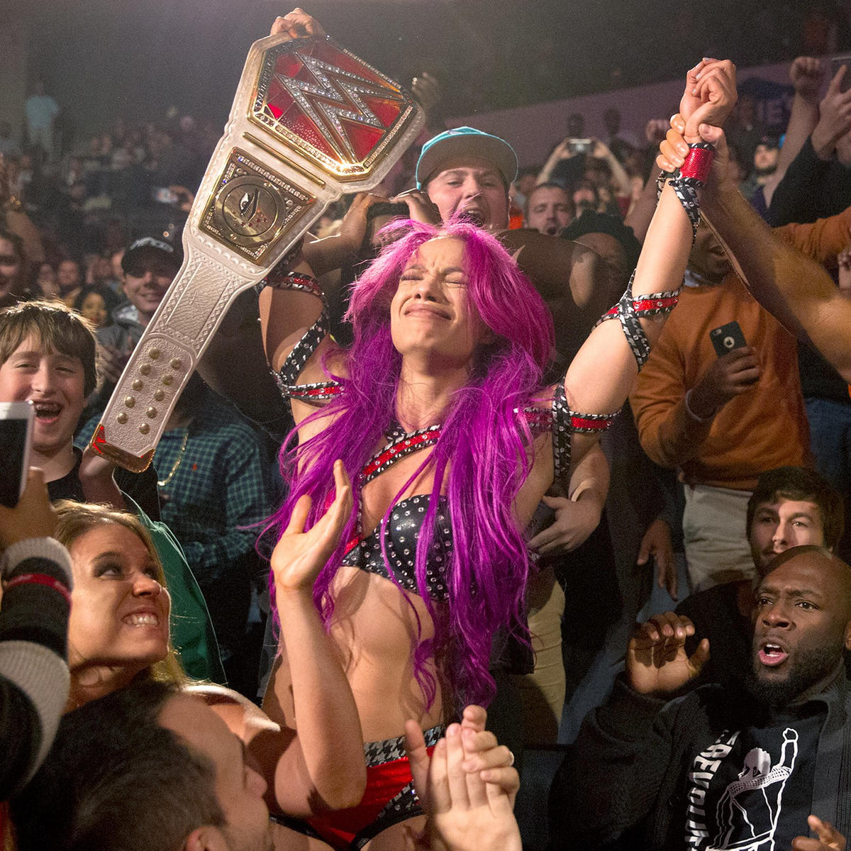 Sasha Banks wins Raw Women's Championship: Raw, Nov. 28, 2016
