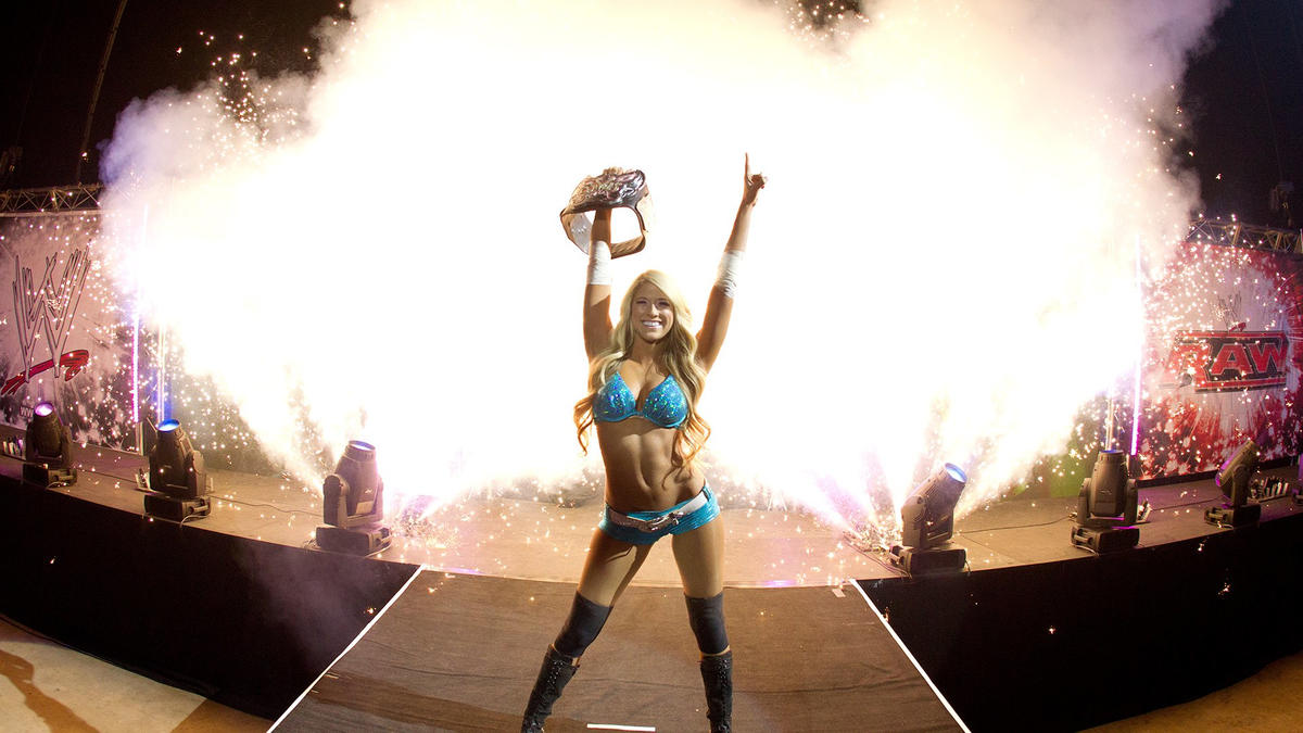 Former Divas Champion Kelly Kelly Discusses Possibility Of