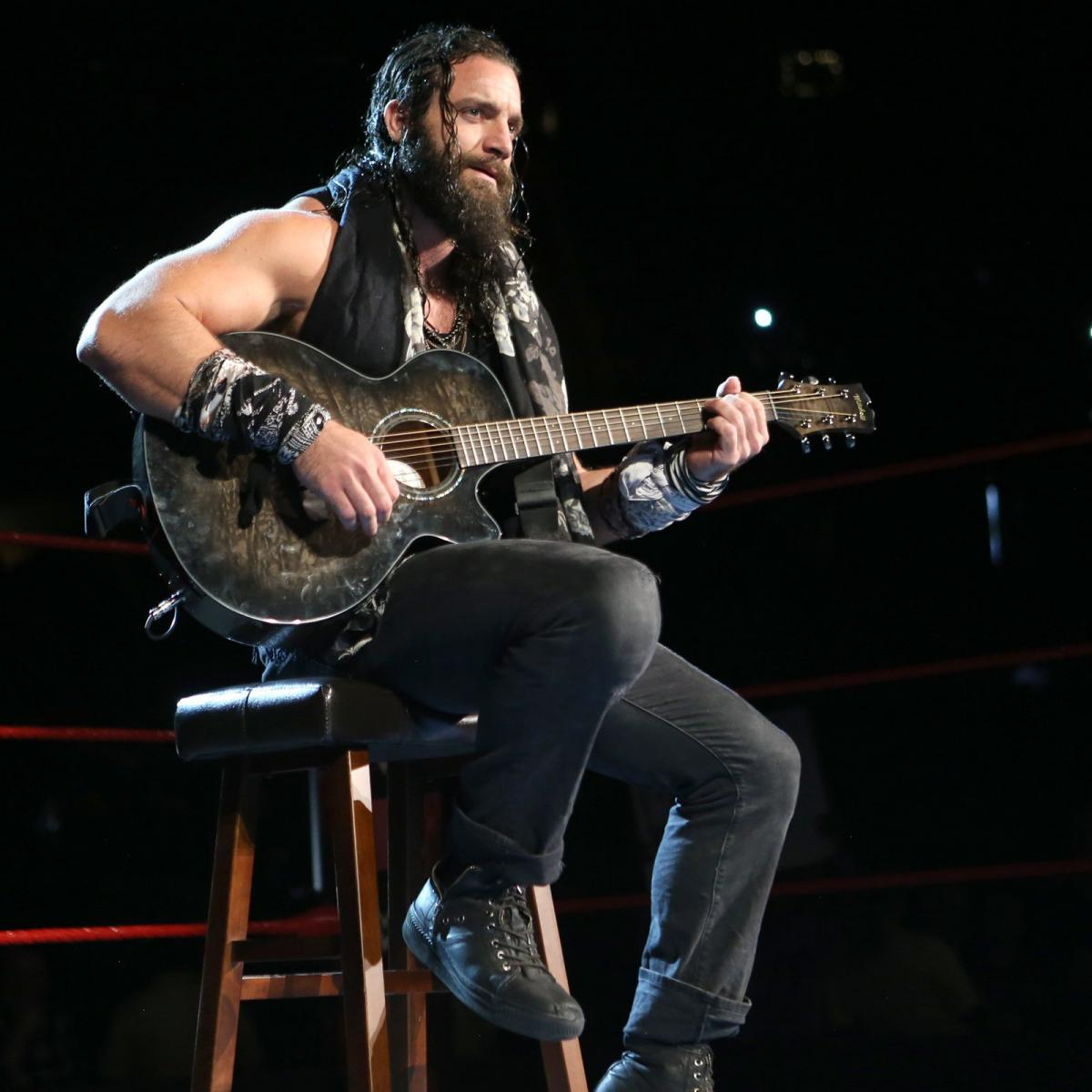 Elias wih guitar on WWE Raw