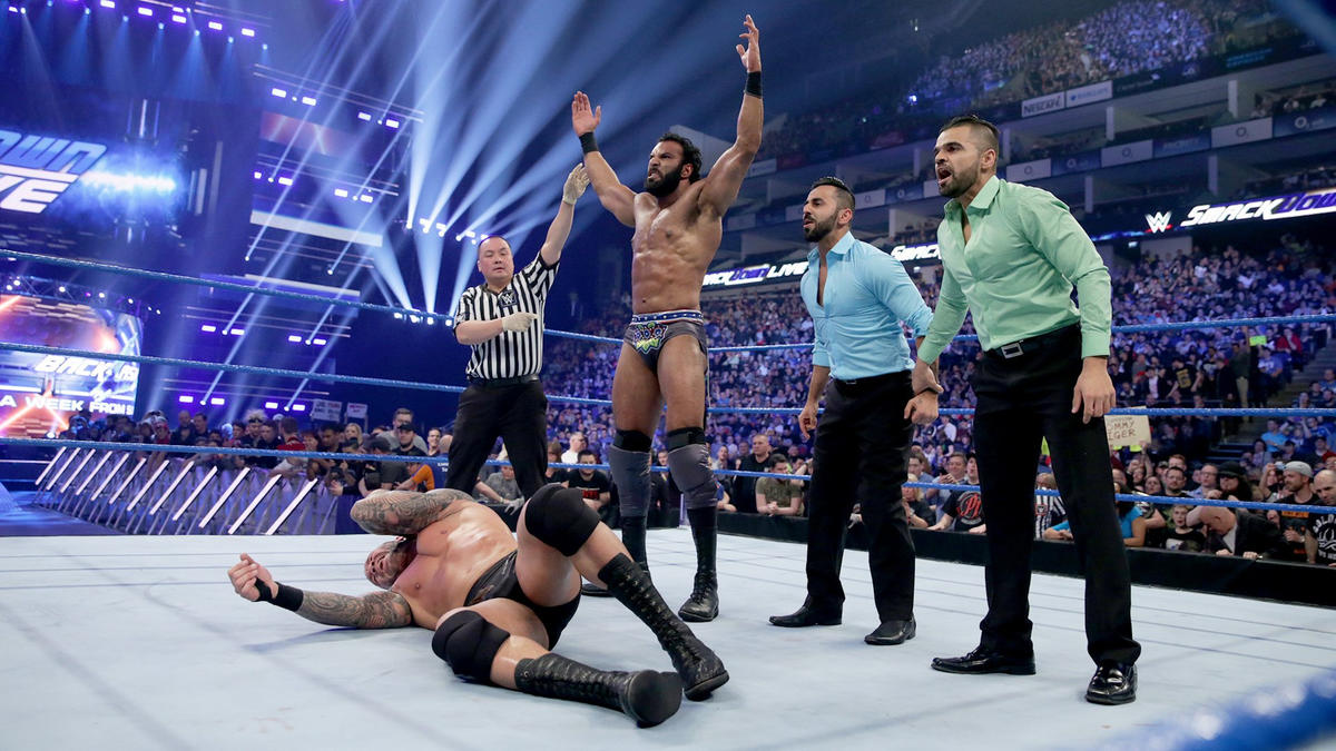 Flanked by The Singh Brothers, Mahal stands victorious as SmackDown LIVE draws to a close.