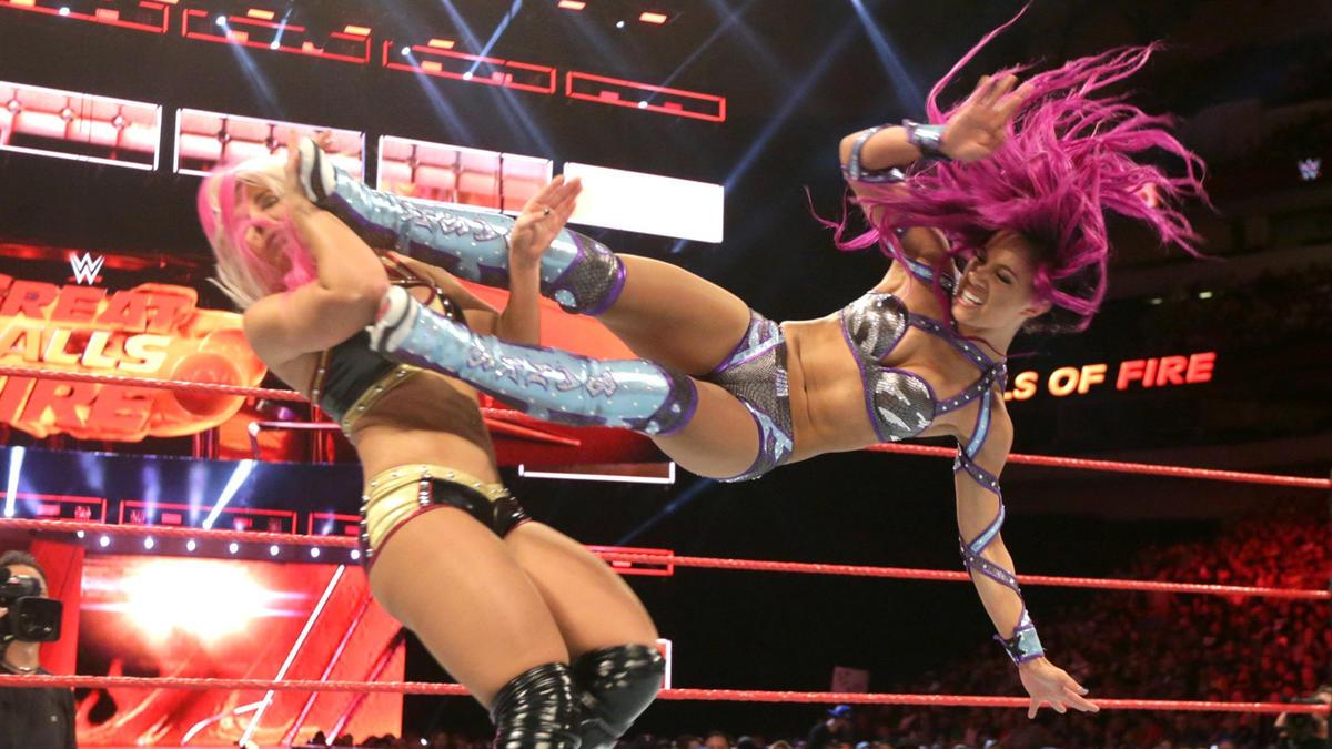 Great Balls of Fire - Sasha Banks vs Alexa Bliss