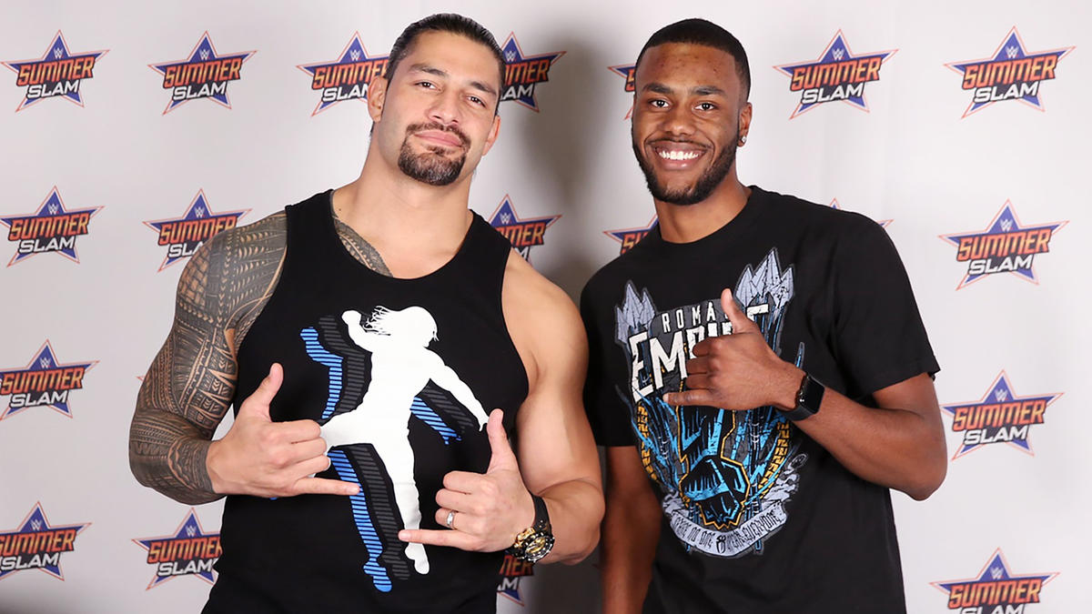 Roman reigns and the new day meet the wwe universe in a summerslam wwe photo kristyandbryce Choice Image