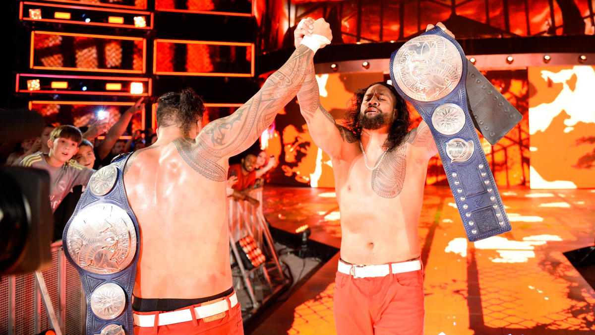 After a Double Uce, Jimmy & Jey secure the pinfall to win back the SmackDown Tag Team Championship!