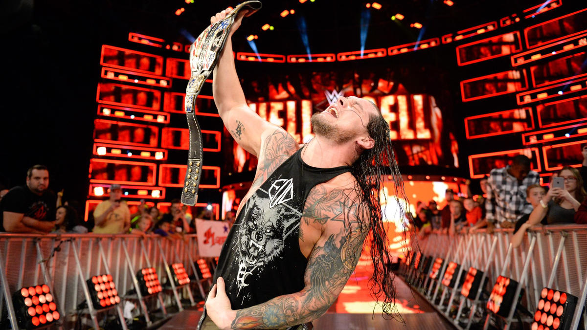 ... and becomes the new United States Champion after pinning Dillinger!