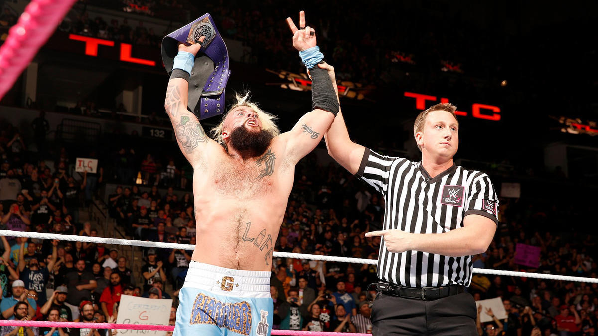 .... and reclaims the WWE Cruiserweight Championship!