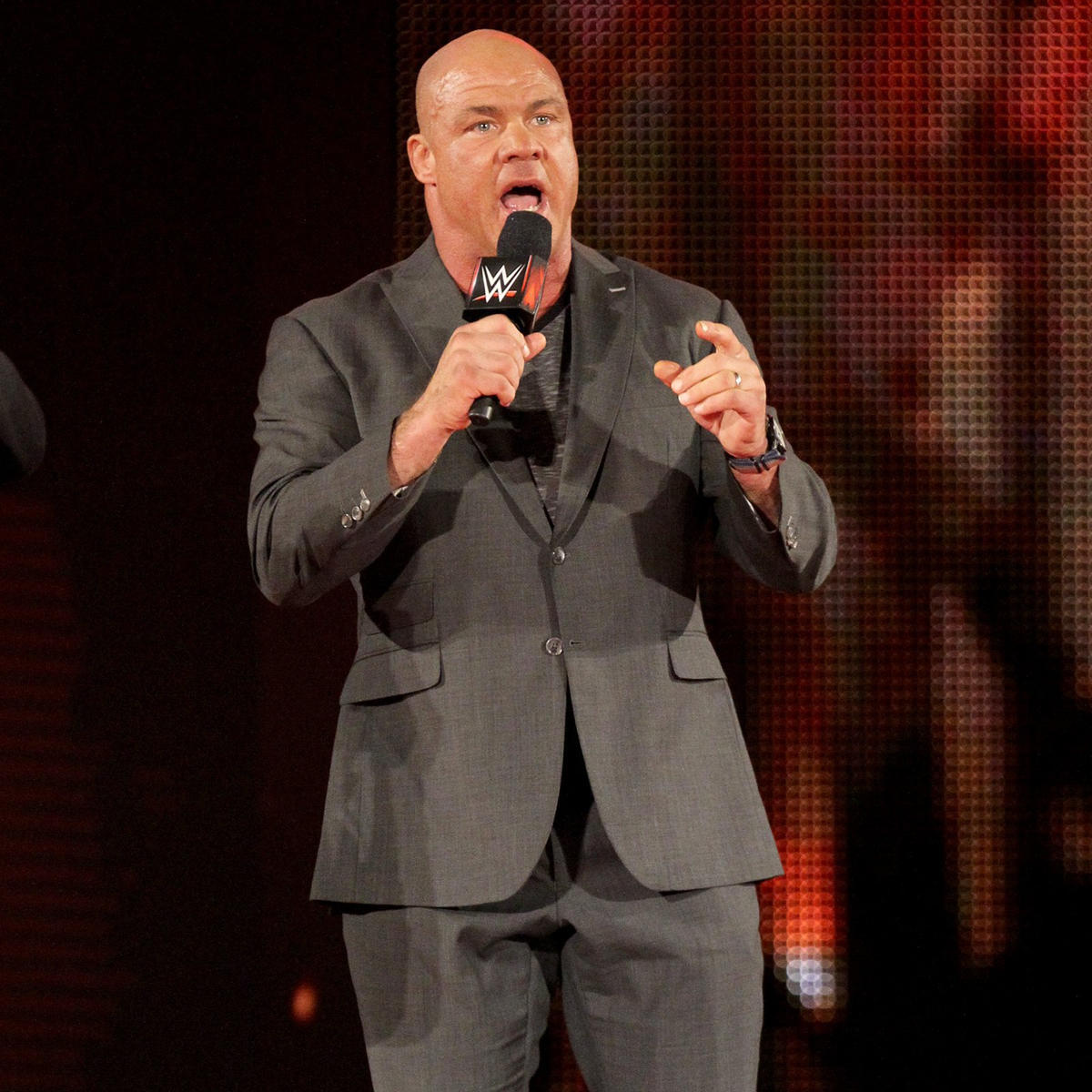 Raw General Manager Kurt Angle says the main event will be a Six-Man Tag Team Match!