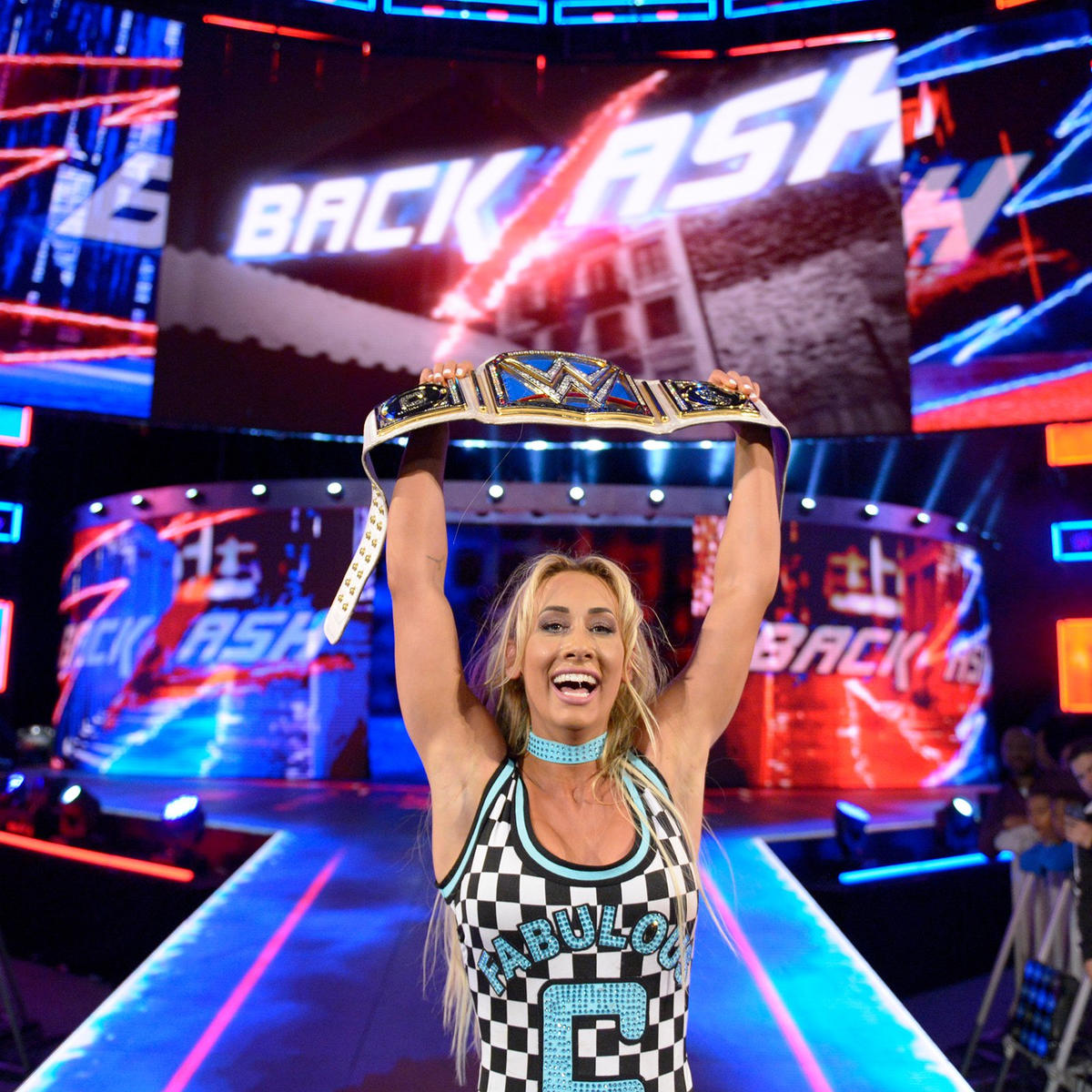 Carmella retains the SmackDown Women's Championship!