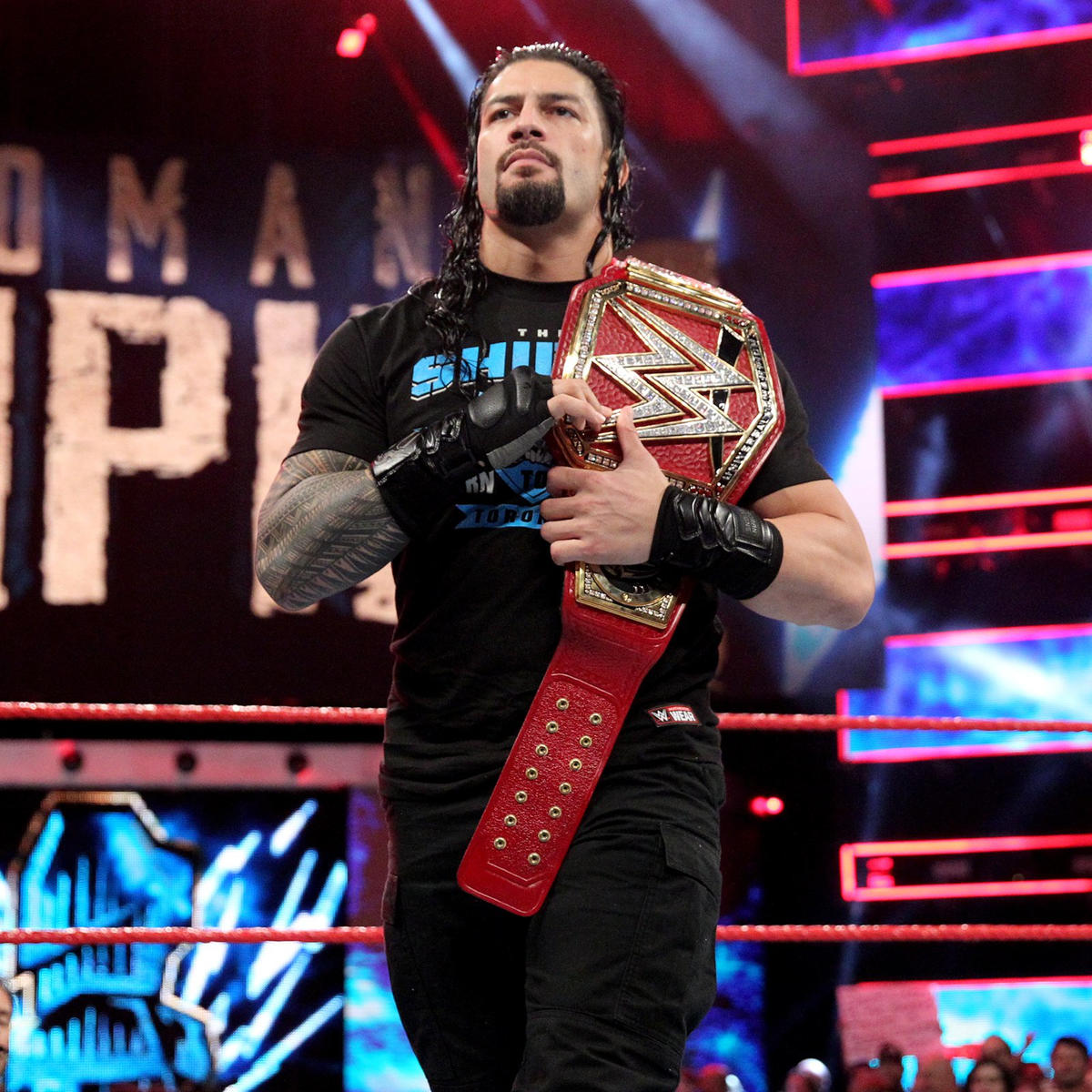 Universal Champion Roman Reigns Kicks Off Monday Night Raw In Toronto