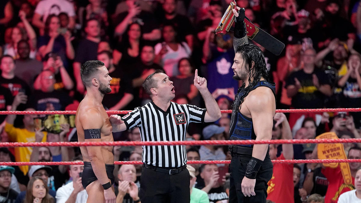 Less than 24 hours after winning the Universal Championship, Roman Reigns puts his title on the line against Finn Bálor.