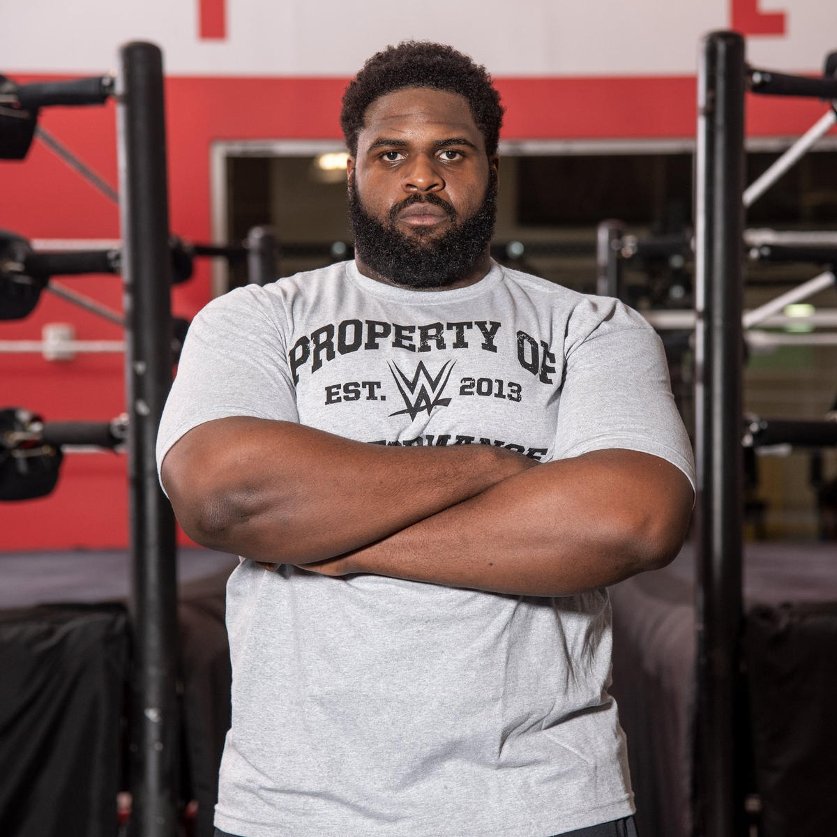Although he's new to the ring, former college football player Omari Palmer cuts an imposing figure, standing 6-foot-3 and weighing 350 pounds.