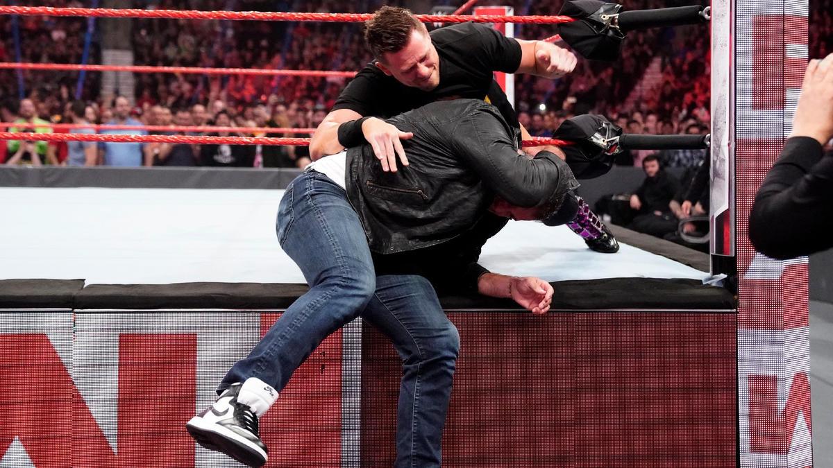 Â¡Miz golpea la escena e inmediatamente ataca a Shane!