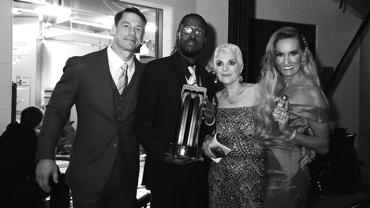 John Cena wprowadził Sue Aitchison do WWE Hall of Fame