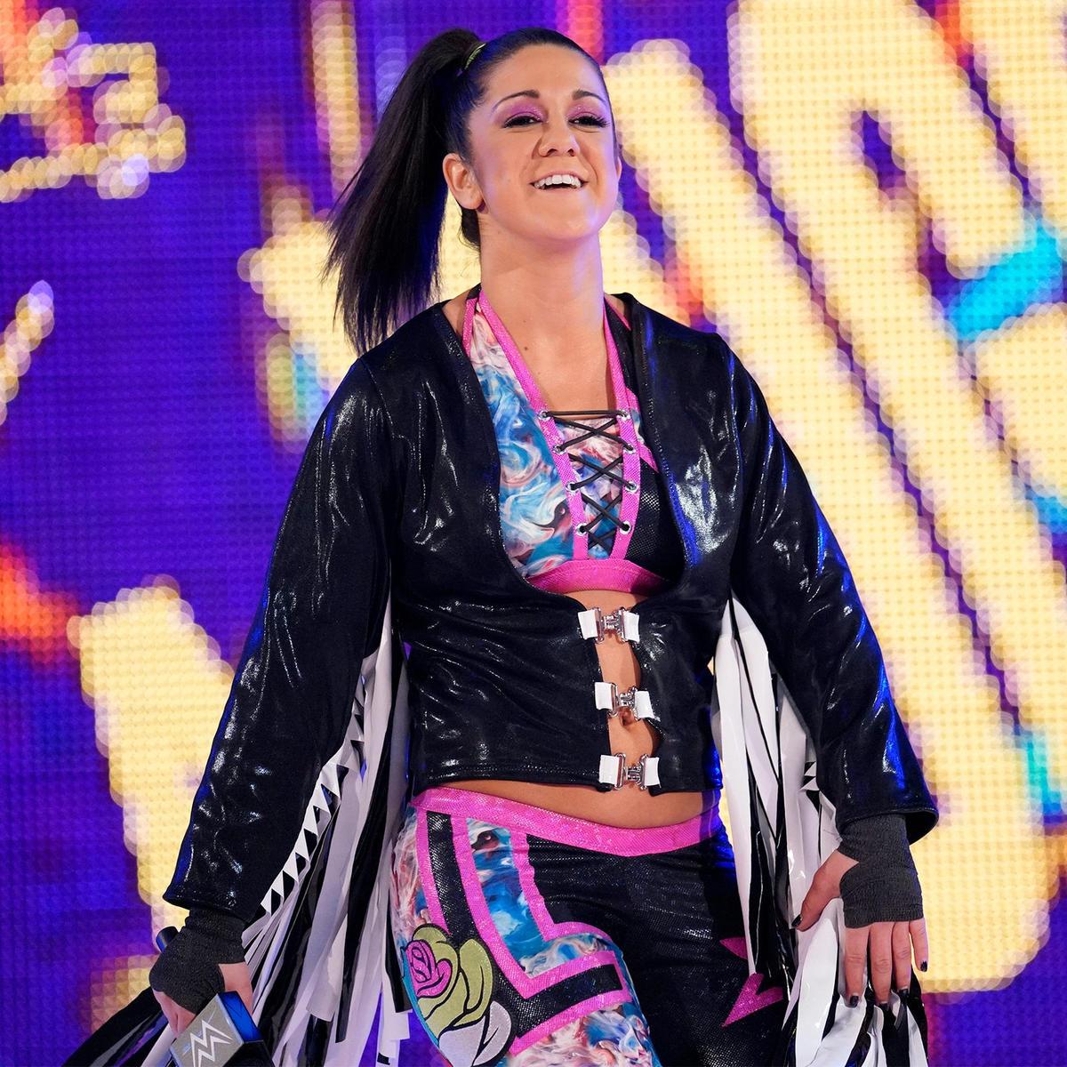 ¡Bayley también se une al Equipo Azul de Raw!