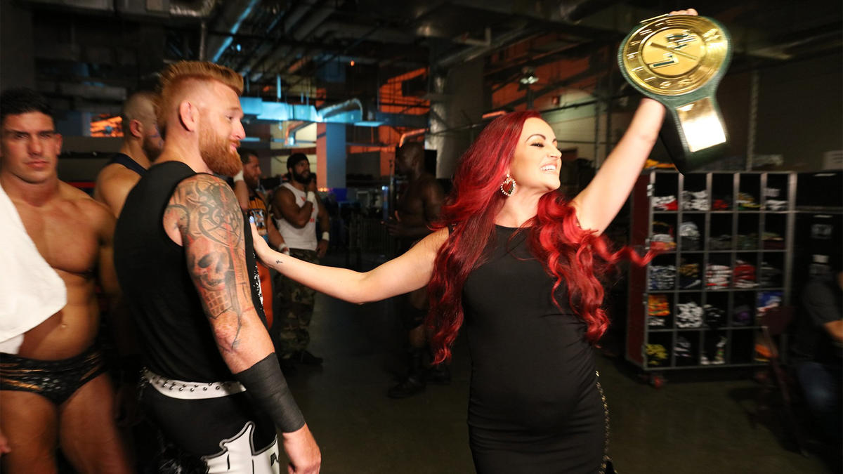 10 WWE Female Superstars Who Won Men's Championships 5