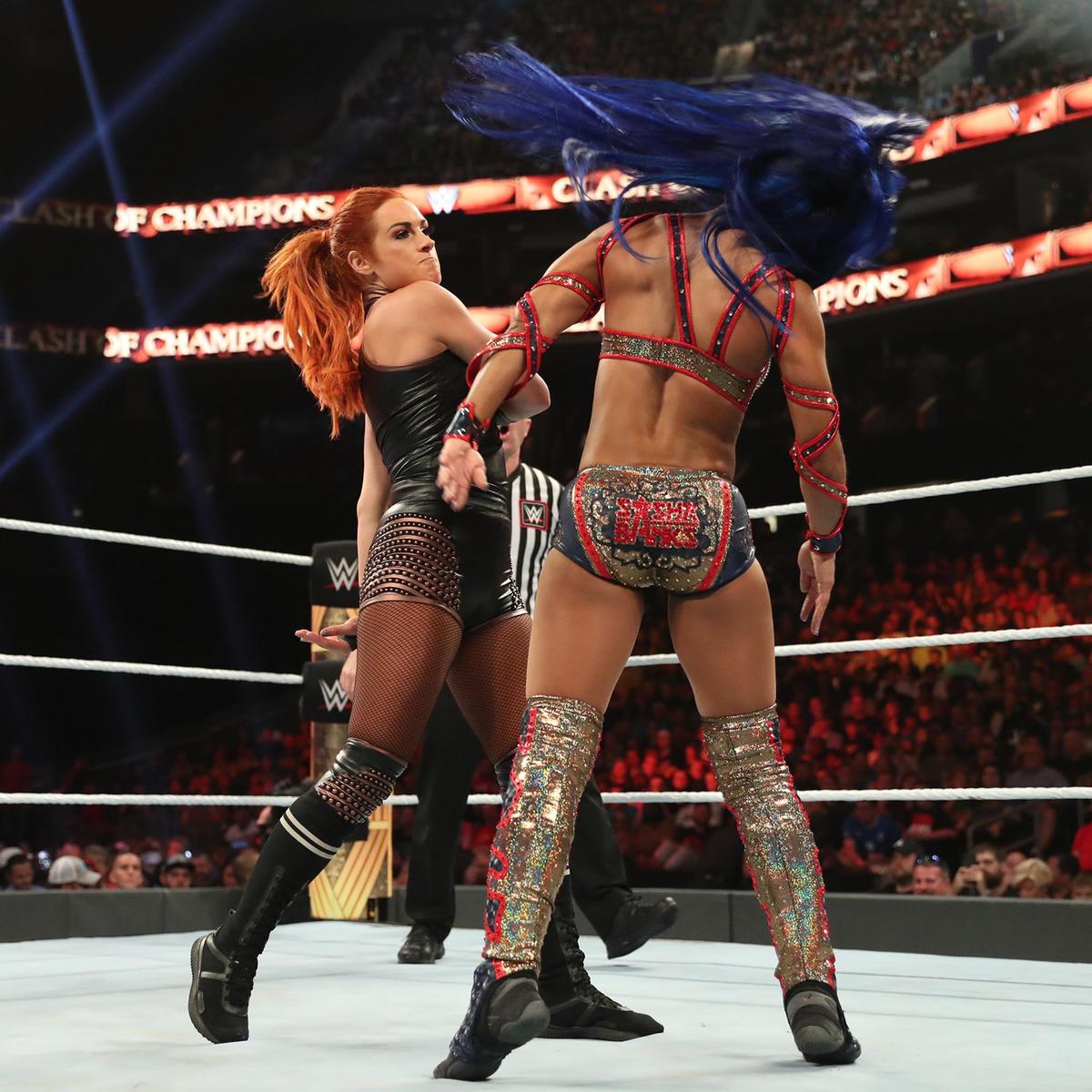 Becky Lynch Vs Sasha Banks Raw Women S Championship Match Photos Wwe