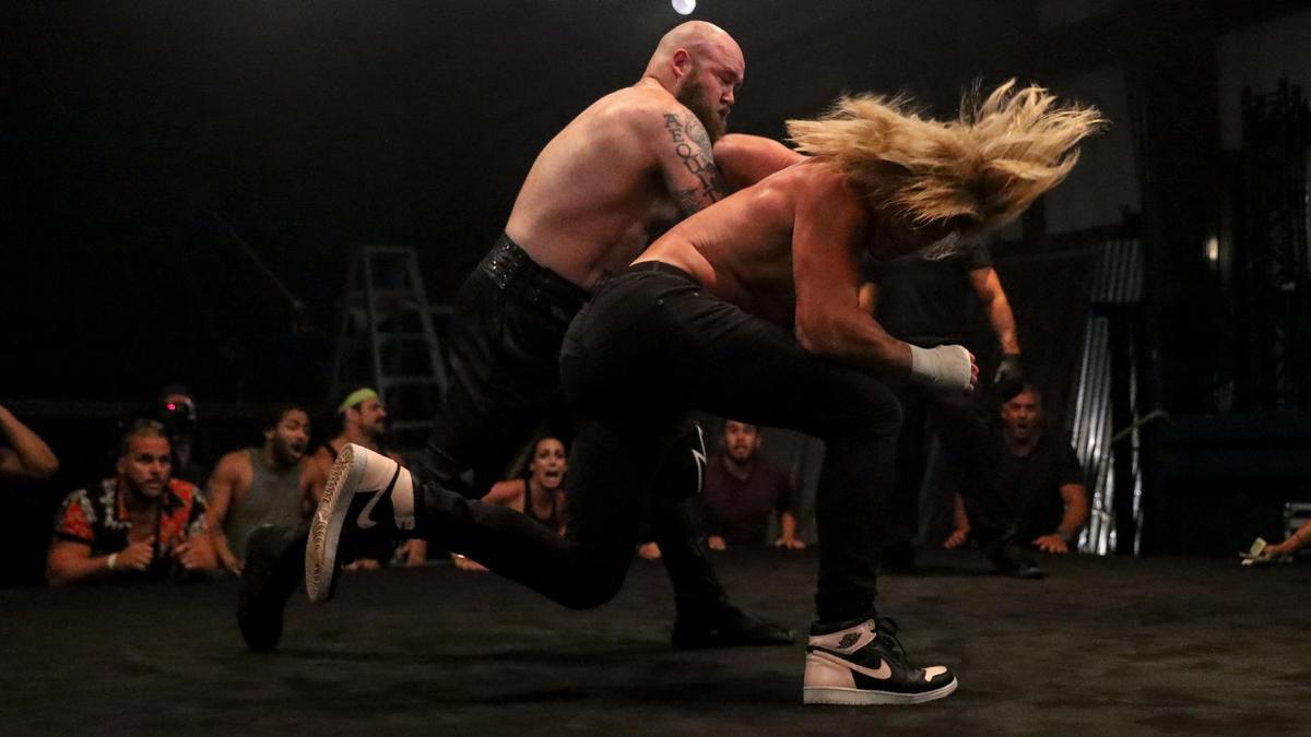WWE pode estar planejando a criação do RAW Underground Championship