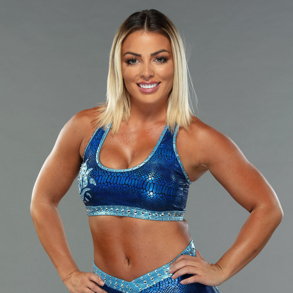 Mandy Rose: WWE Releases Photoshoot Pictures Of Golden Goddess' New Look 3