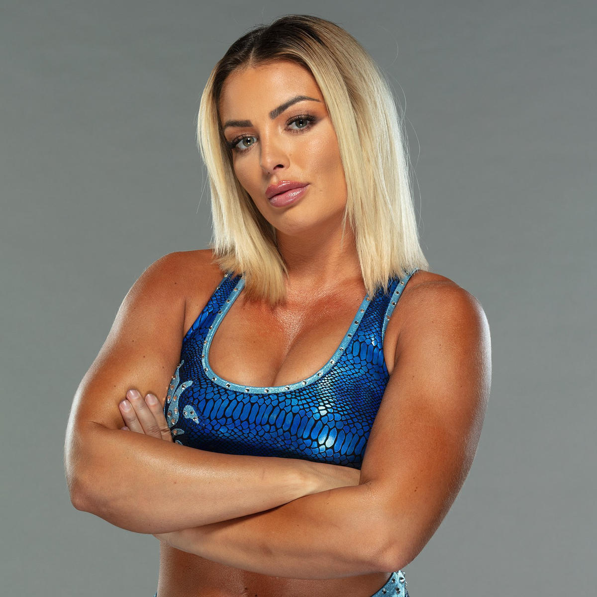 Mandy Rose: WWE Releases Photoshoot Pictures Of Golden Goddess' New Look 1