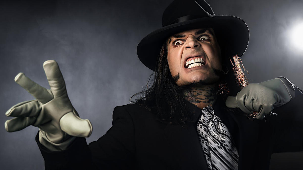 Photos: WWE Stars Celebrate The Undertaker 30th Anniversary By Cosplaying 49