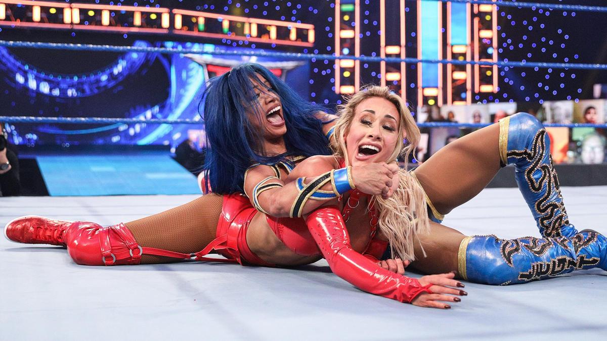 Sasha Banks vs Carmella for the SmackDown Women's Championship