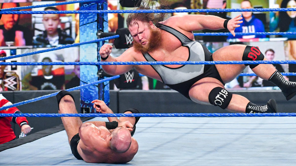 Otis delivers his signature elbow drop to Cesaro on WWE SmackDown