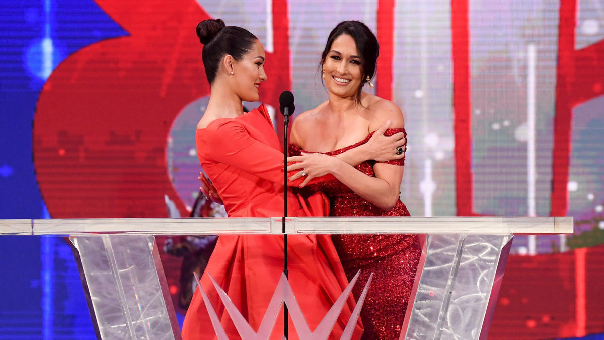 WWE Hall Of Fame 2021: Women Superstars Sizzle On The Red Carpet 1