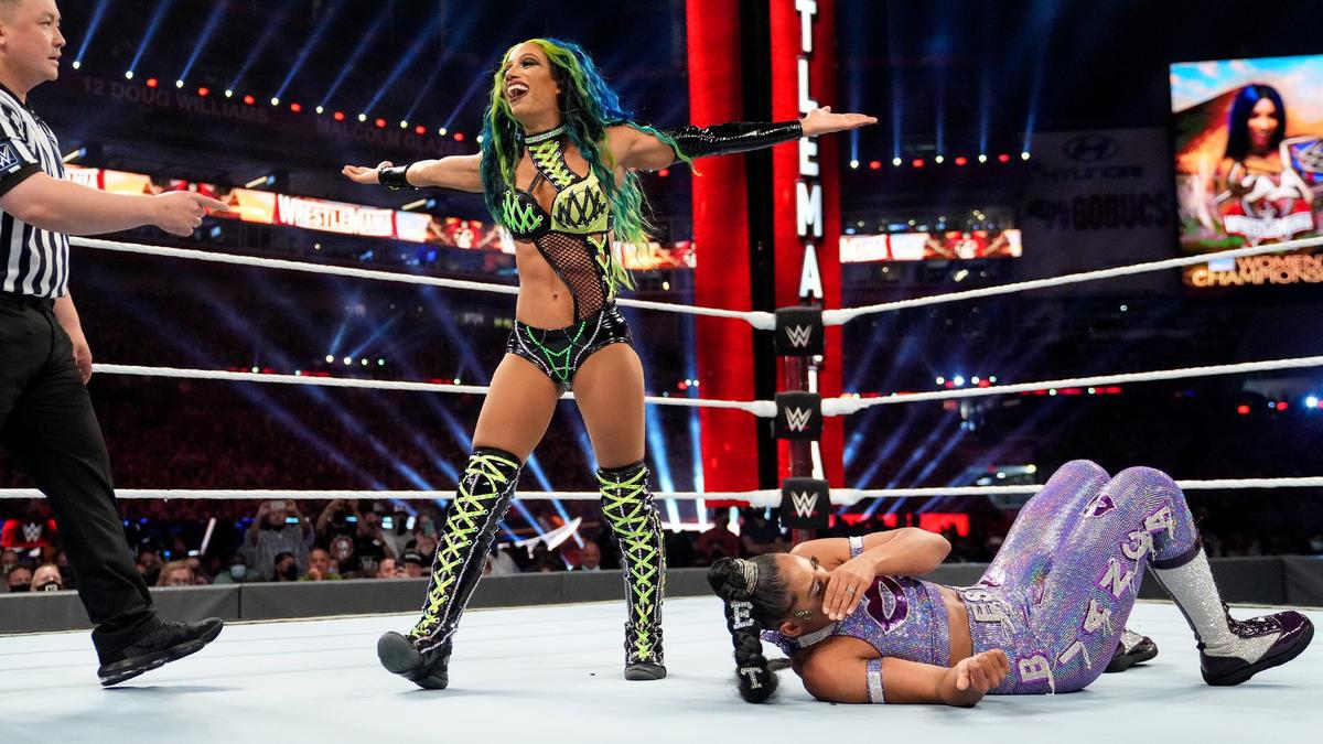 WWE Star Sasha Banks Wanted To Fight Floyd Mayweather 2