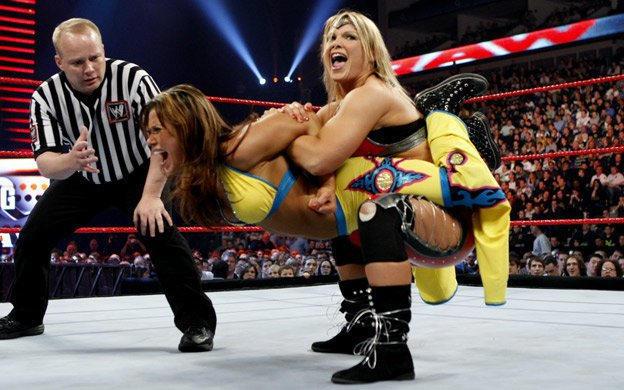 Women's Championship: Beth Phoenix vs. Mickie James | WWE