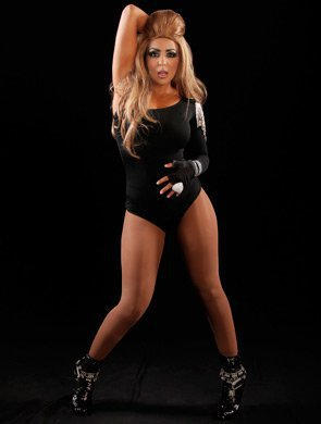 layla shows beyonce how its done - Wwe Halloween Divas